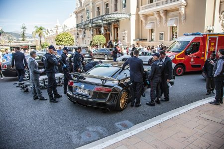 Destrozan un Audi R8 modificado por Prior Design cuando intentan rescatar a su piloto