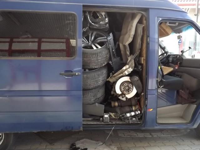 ¿Cómo meter un BMW X6 dentro de una furgoneta? 2