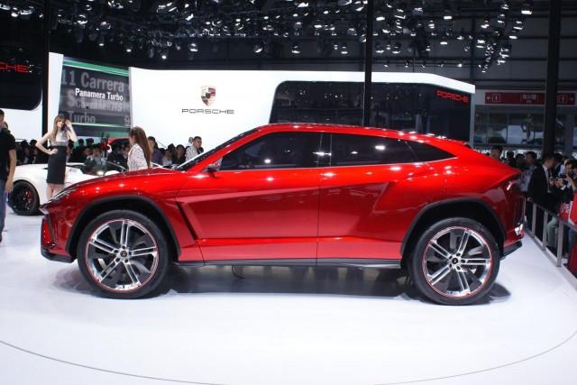 El Lamborghini Urus podría ser el primero en montar motor sobrealimentado 2