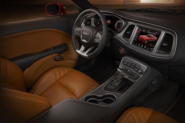 Llegan los Dodge Challenger SRT y SRT Hellcat 2015 3