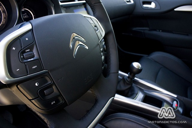 Prueba: Citroën C4 e-HDI 115 CV (equipamiento, comportamiento, conclusión) 3