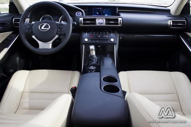 Prueba: Lexus IS300h Híbrido (diseño, habitáculo, mecánica) 5