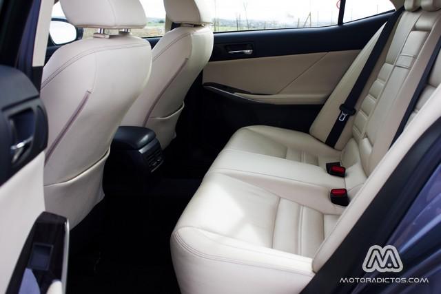 Prueba: Lexus IS300h Híbrido (diseño, habitáculo, mecánica) 8