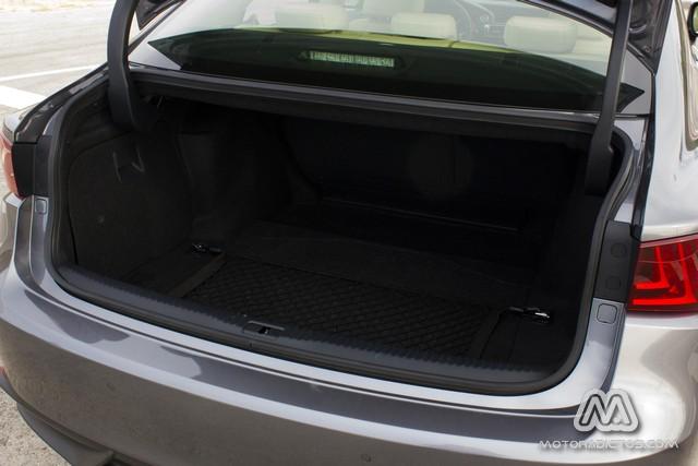 Prueba: Lexus IS300h Híbrido (diseño, habitáculo, mecánica) 9