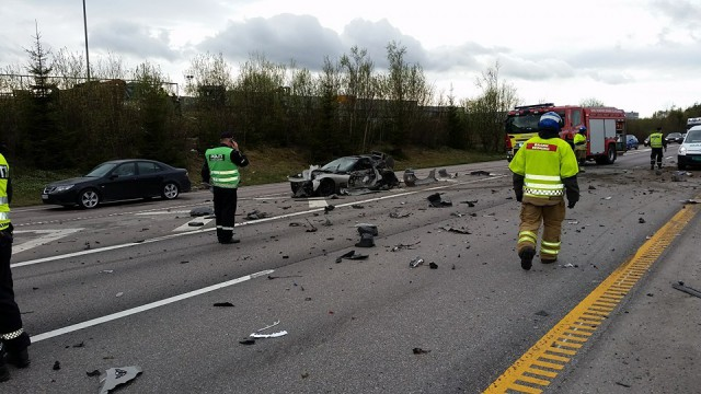 Terrible accidente entre un Corvette y una Dodge Ram en Noruega 3