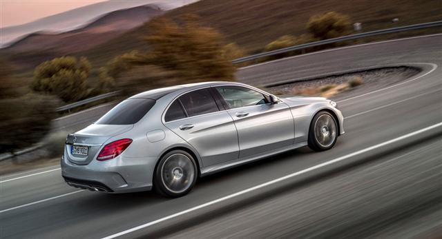 ¿Un Mercedes Clase C Coupé de 4 puertas? Suena raro, pero real 1