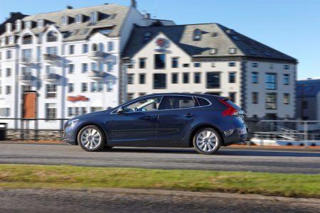 Llega el Volvo V40 D4 de 190 caballos
