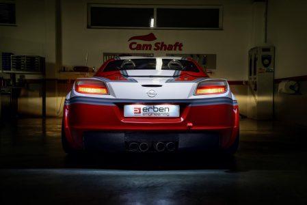 Madchen-Motoren-Opel-GT-4