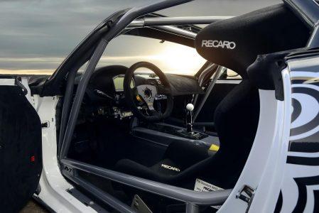 Madchen-Motoren-Opel-GT-5