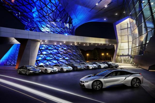 BMW da el campanazo con los faros láser, derrotando a Audi 2