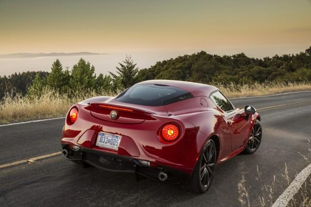 El Alfa Romeo 4C americano pesará 155 kg más y mostrará este aspecto 2