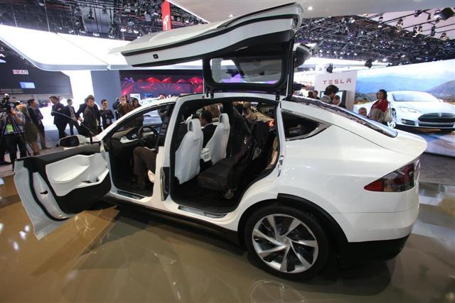 Es oficial: el Tesla Model X llegará en 2015 2
