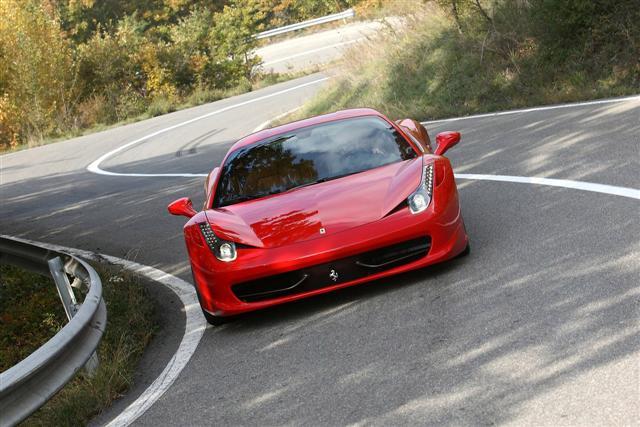Grandes cambios en Ferrari, V8 más pequeños y V12 híbridos