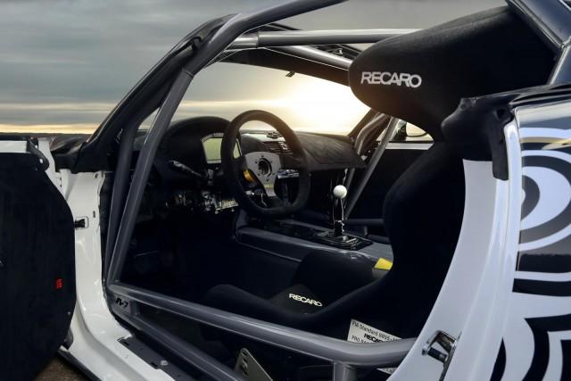 Mädchen & Motoren nos muestran su Opel GT V8 3