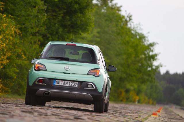 Opel ultima el lanzamiento del Adam Rocks 2