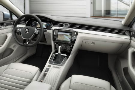 2015-VW-Passat-B8-17