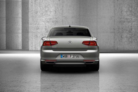 2015-VW-Passat-B8-26