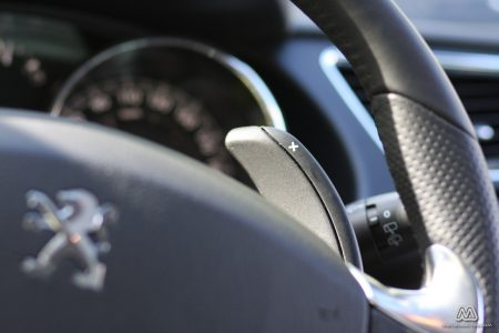 Prueba: Peugeot 3008 HYbrid4 (equipamiento, comportamiento, conclusión)