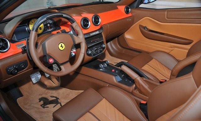Ponen a la venta un exclusivo y raro Ferrari 599 SA Aperta 3