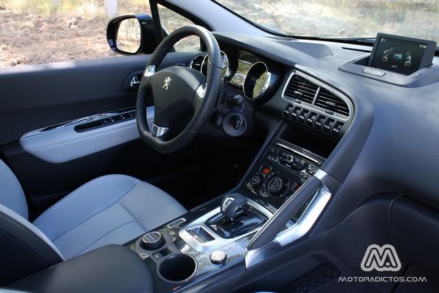 Prueba: Peugeot 3008 HYbrid4 (diseño, habitáculo, mecánica) 9