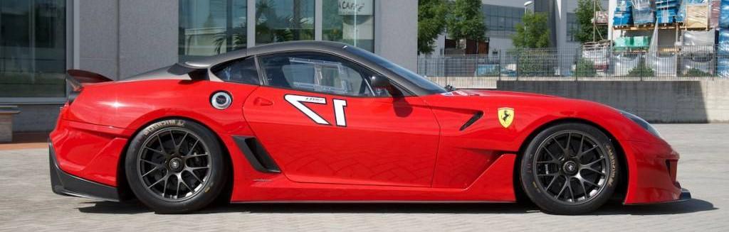 Sale a la venta un Ferrari 599XX 3