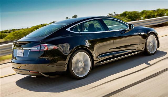 Tesla apunta alto con el Model E, rival del BMW Serie 3 y Audi A4 1