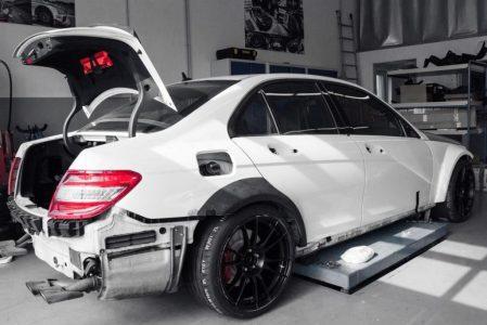 Mercedes_C63_AMG_mcchip-DKR_2