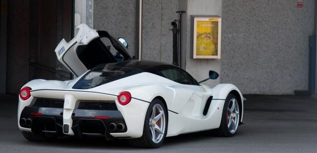 De media los propietarios de un Ferrari LaFerrari gastan más de 1.5 millones de euros en su vehículo 1