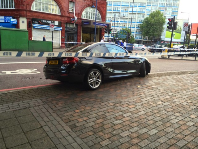 Destrozan un BMW M4 en las calles de Londres 3