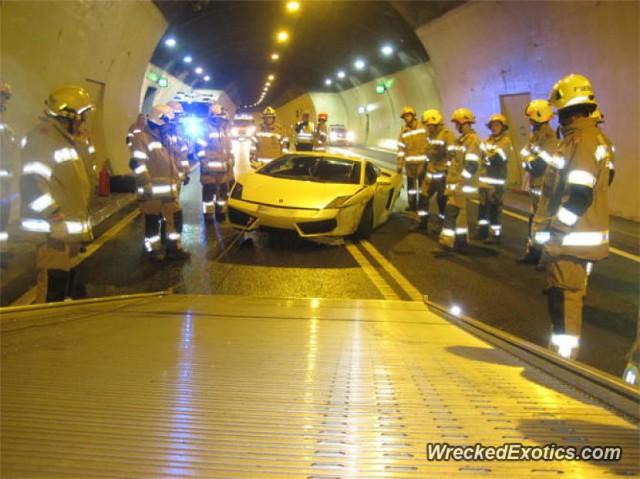 Un Lamborghini Gallardo sufre una accidente dentro de un túnel austríaco 2