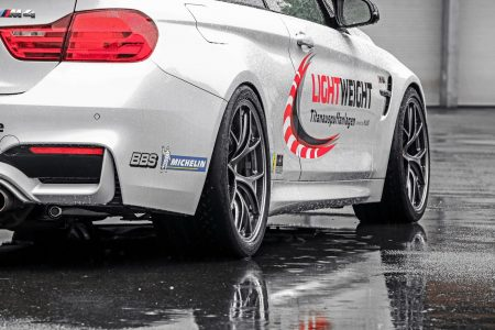 Lightweight-BMW-M4-4
