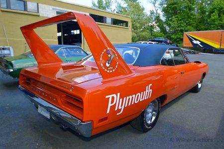 Plymouth-Superbird-1