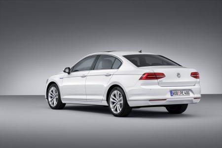 VW-Passat-GTE-4
