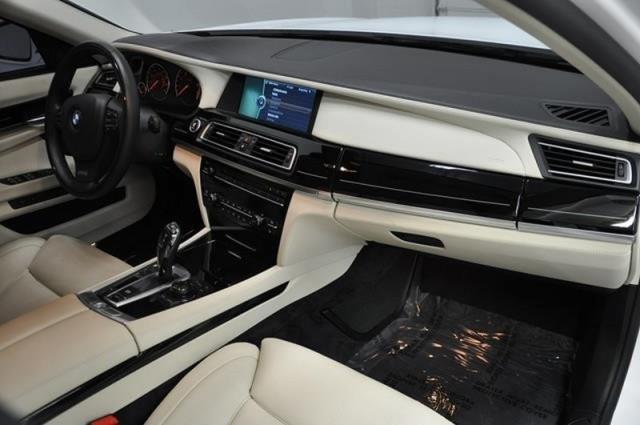 A la venta el BMW 760Li de Lebron James 3
