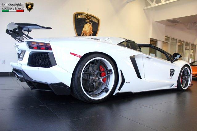 A la venta un Lamborghini Aventador Roadster totalmente personalizado 2