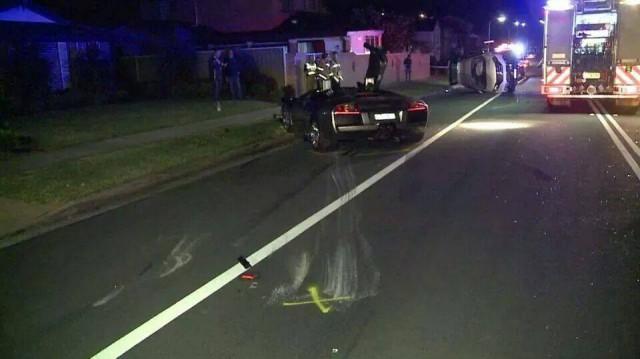 Estrellan un Lamborghini Murciélago contra un Honda SUV en Sydney 2