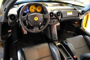A la venta un Ferrari Enzo con 3.500 km 3