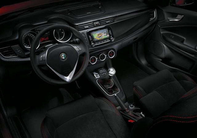 París 2014: Alfa Romeo Giulietta Sprint, estrenando nueva motorización 3