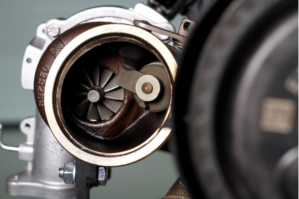 Volvo Drive-E 2.0 Turbo: 450 CV, tres turbos y cuatro cilindros 1