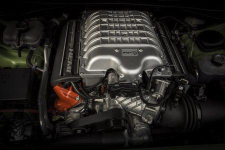 2015-Dodge-Challenger-12