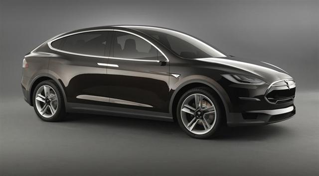 El Tesla Model X debutará en 2015, como mínimo 1