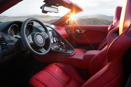 Jaguar F-Type 2016: Cambio manual y tracción total