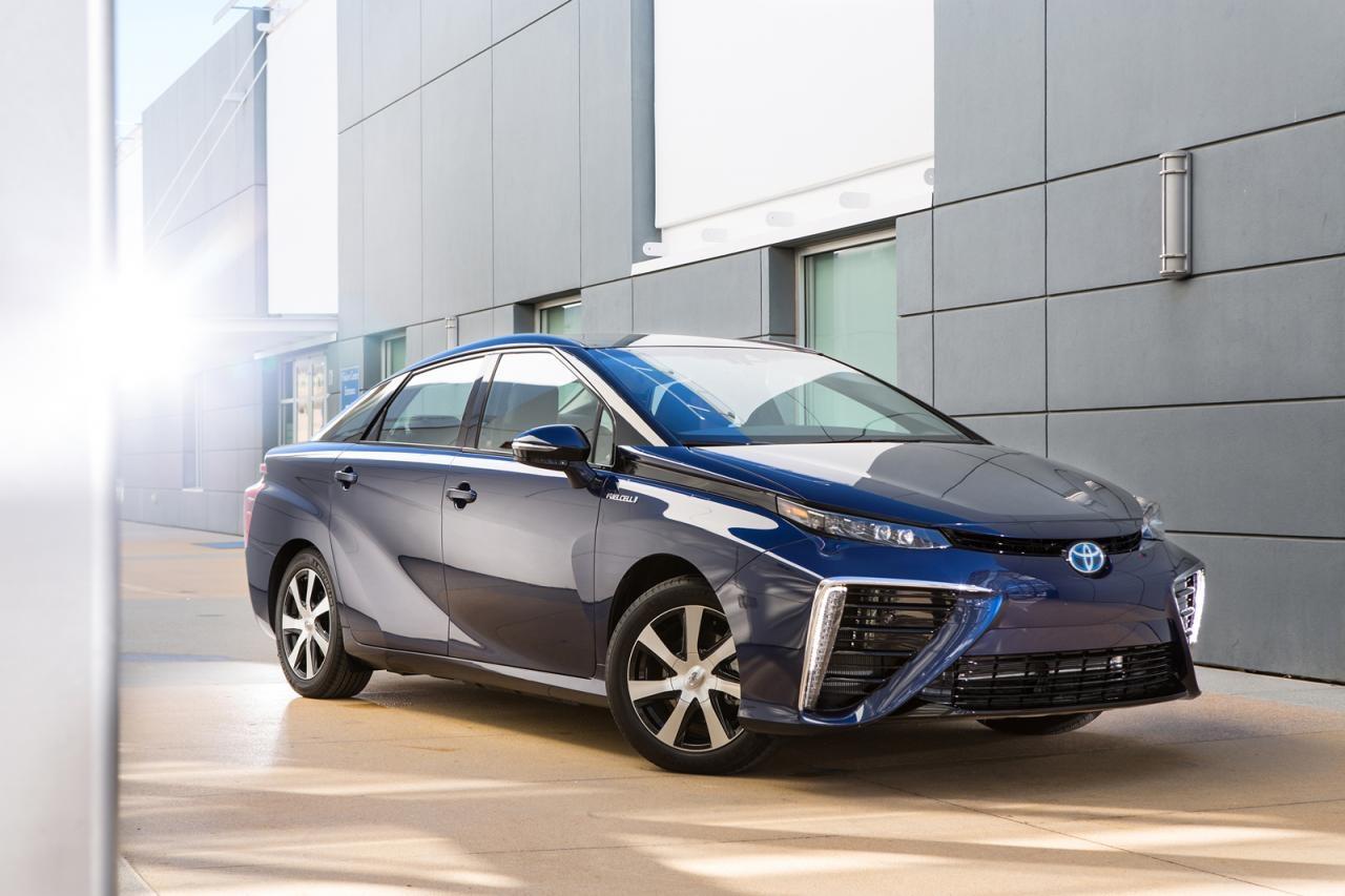 Primeras imágenes oficiales del Toyota Mirai, con pila de hidrógeno y debut inminente 2