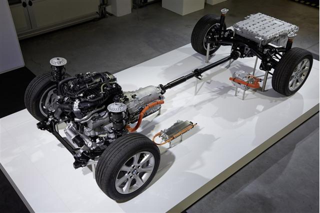 Primeros detalles del BMW Serie 3 eDrive, 4.3 litros de consumo y 245 caballos 1
