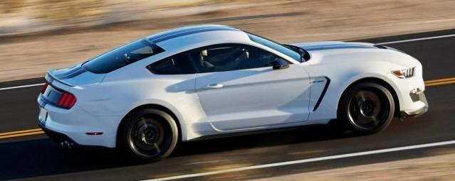 A subasta el primer Shelby Mustang GT350 de producción 2