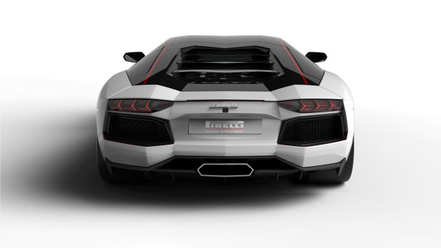 Lamborghini Aventador LP700-4 Pirelli Edition 4