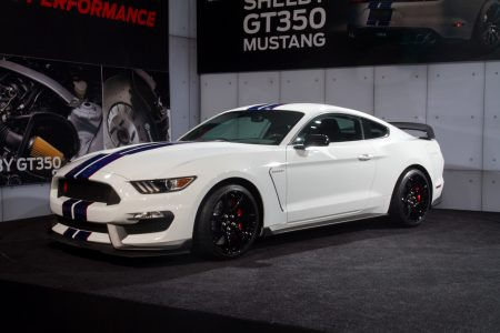 2015-Ford-Shelby-GT350R-1