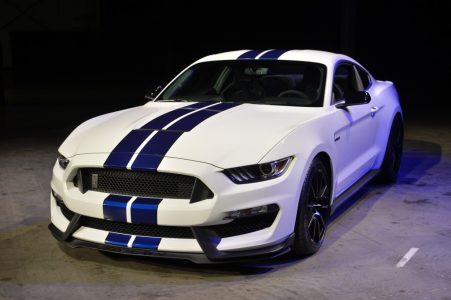 2015-Ford-Shelby-GT350R-2