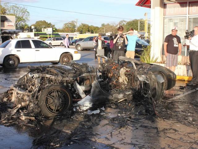 Arde un Lamborghini Gallardo en Florida mientras lo estaban probando 1