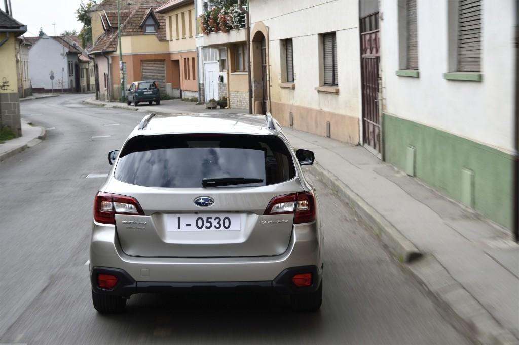 Subaru Outback 2015: Mezcla de familiar y crossover 4x4, desde 29.900 euros 1